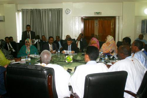 La commission des finances de l'assemblée nationale examine le budget du ministère des finances