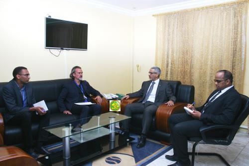 Le commissaire aux droits de l'Homme s'entretient avec le représentant du bureau du Haut- commissariat aux droits de l'Homme