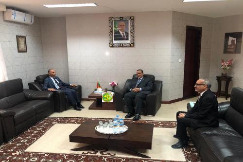 Le ministre des affaires étrangères reçoit l'ambassadeur de Tunisie
