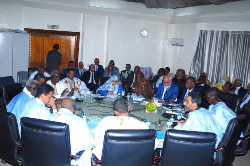 La commission des finances de l'Assemblée nationale discute le budget du ministère de la culture