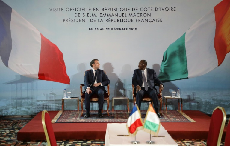 Economie et affaires militaire au programme de Macron à Bouaké et Niamey