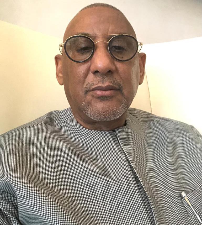 Ebety demande l'arrêt des poursuites contre Chaavi