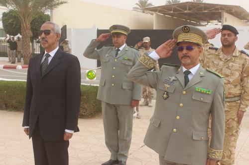Le Ministre de la Défense décore au QG de l'État-major général des Forces Armées des officiers, sous-officiers et soldats, tant militaires que gendarmes