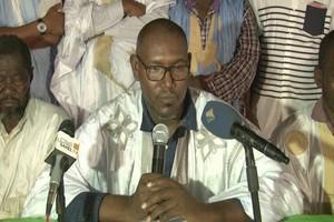 Le Chef de file de l'Opposition rend visite la famille des enfants disparus dans un incendie à Dar-Naim