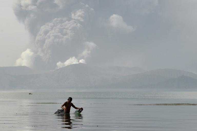 Philippines: état d'alerte après le réveil du volcan Taal
