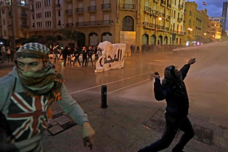 Au Liban, la colère ne faiblit pas malgré les promesses du Premier ministre
