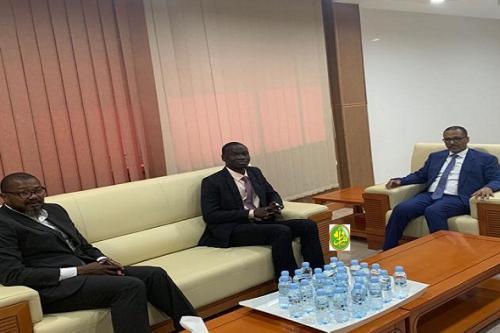 Le président du patronat discute avec l'ambassadeur ivoirien des moyens de renforcer la coopération entre les hommes d'affaires des deux pays