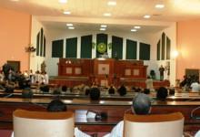 Communiqué du Parlement : Haro sur les employés absents!