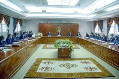 Inédit : des membres du gouvernement portent des masques au cours du Conseil des ministres