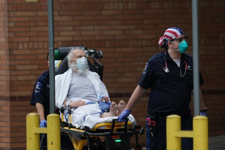 """Coronavirus: les Etats-Unis prêts pour un moment """"comme Pearl Harbor"""""""