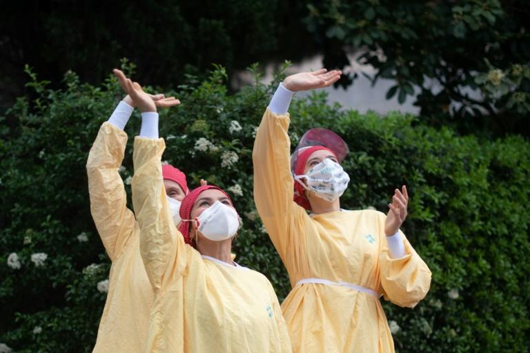 Pandémie: lueur d'espoir dans certains des pays les plus touchés