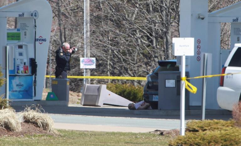 Tuerie au Canada: au moins 18 morts, toujours pas de mobile identifié
