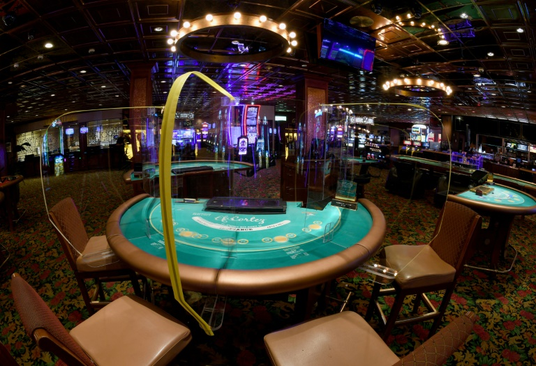 Déplumée par le coronavirus, Las Vegas craint la banqueroute
