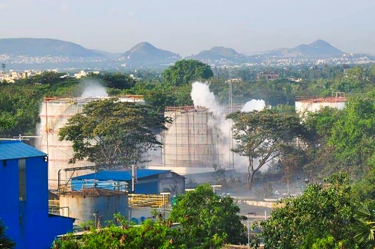 Fuite de gaz dans une usine en Inde: au moins six morts et 1.000 personnes hospitalisées
