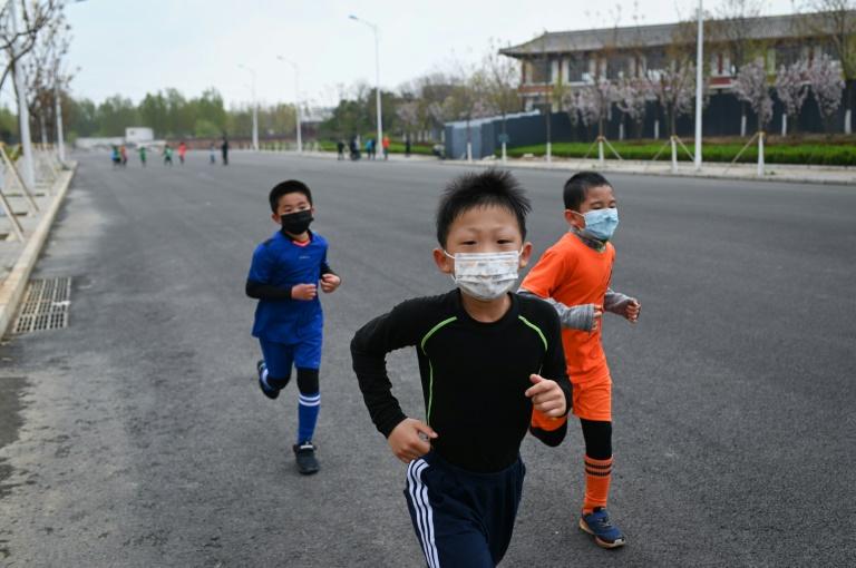 Infection, gravité, contagion... Enfants et Covid-19, un cas d'école
