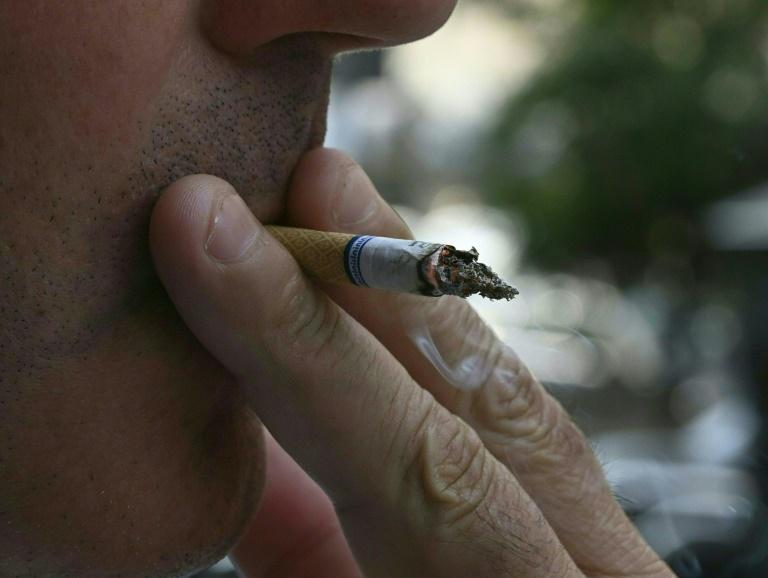 Confinement: un quart des fumeurs a augmenté sa consommation de tabac