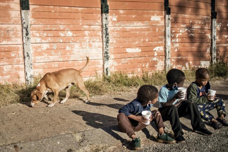 Pandémie: jusqu'à 86 millions d'enfants supplémentaires menacés par la pauvreté
