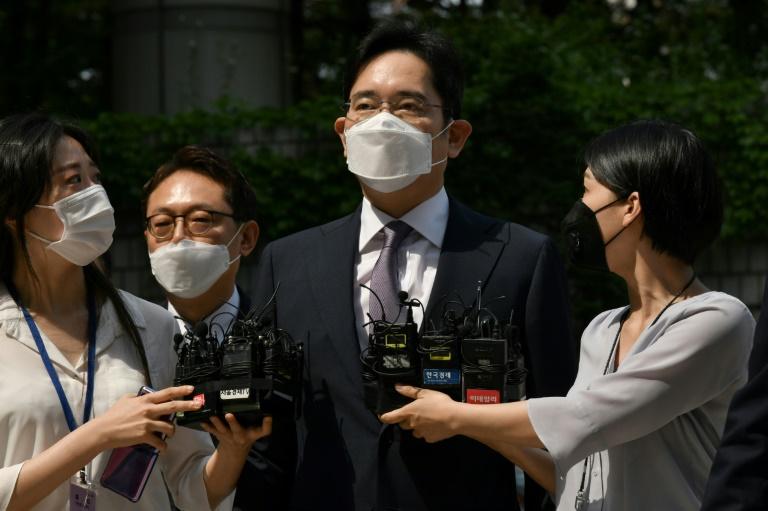Corée du Sud: un tribunal appelé à statuer sur l'incarcération de l'héritier de Samsung