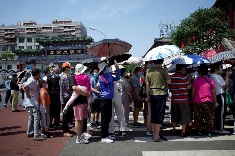 """Covid à Pékin: situation """"extrêmement grave"""" et 27 nouveaux cas"""