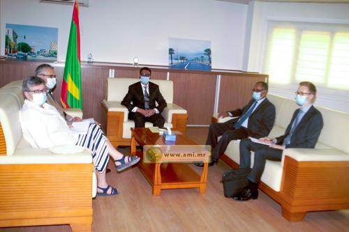 Le ministre du Pétrole s'entretient avec l'ambassadeur de France