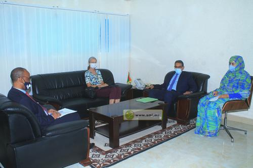 Le Ministre des Pêches s'entretient avec la vice-présidente de la mission allemande