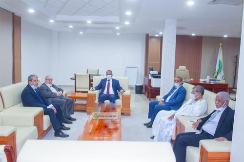 Le président du patronat s'entretient avec le directeur général de l'agence algérienne de coopération internationale