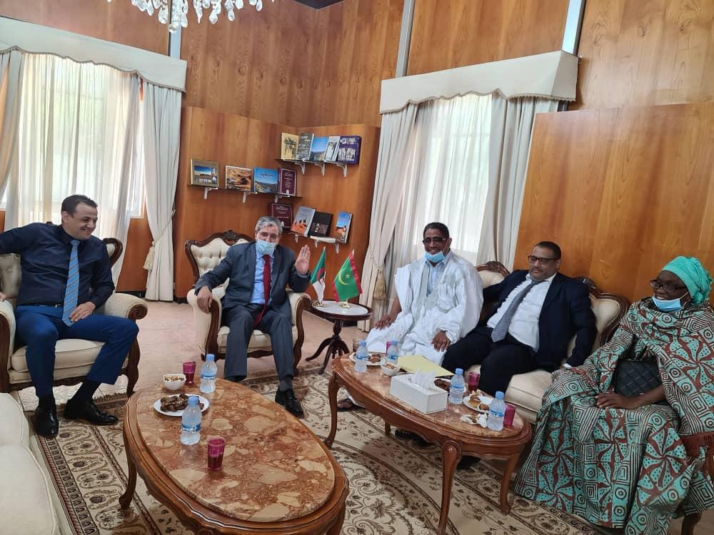 La famille Bedredine reçue par l'ambassadeur d'Algerie