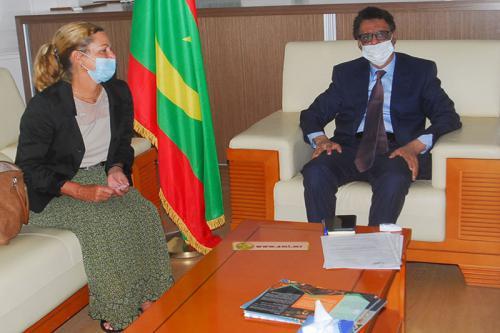 Le ministre du Pétrole reçoit l'ambassadeur de l'Allemagne fédérale