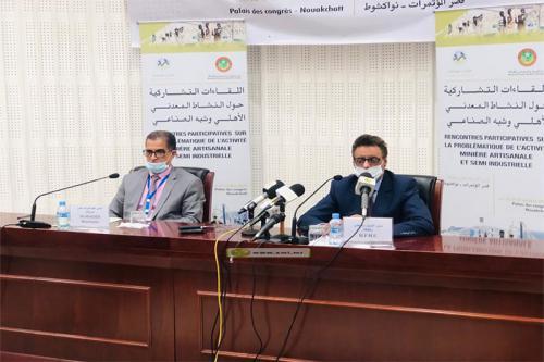 Le ministre des mines et le directeur général de Maaden Mauritania font le point sur les résultats des réunions participatives sur l'activité minière