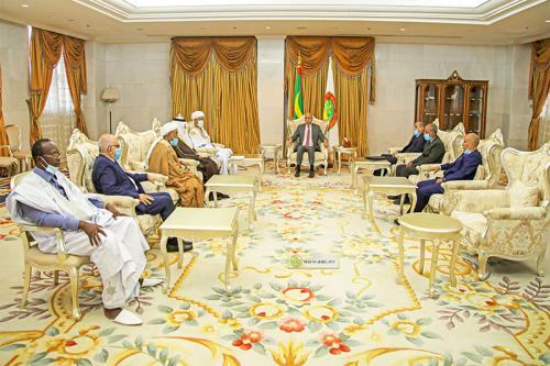 Le président de la République reçoit une délégation des participants à la conférence internationale sur la Sira du Prophète (PSL)