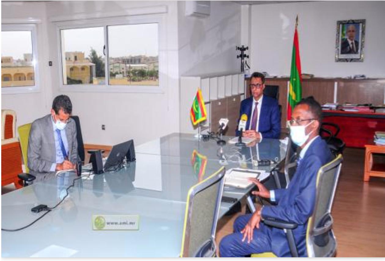 """Le ministre du Pétrole participe à une plateforme sur l'initiative """"générer de l'énergie à partir du désert"""""""