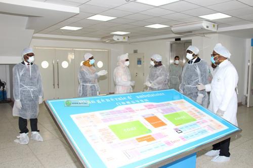 Visite du premier Ministre au centre d'hospitalisation des malades de la COVID-19