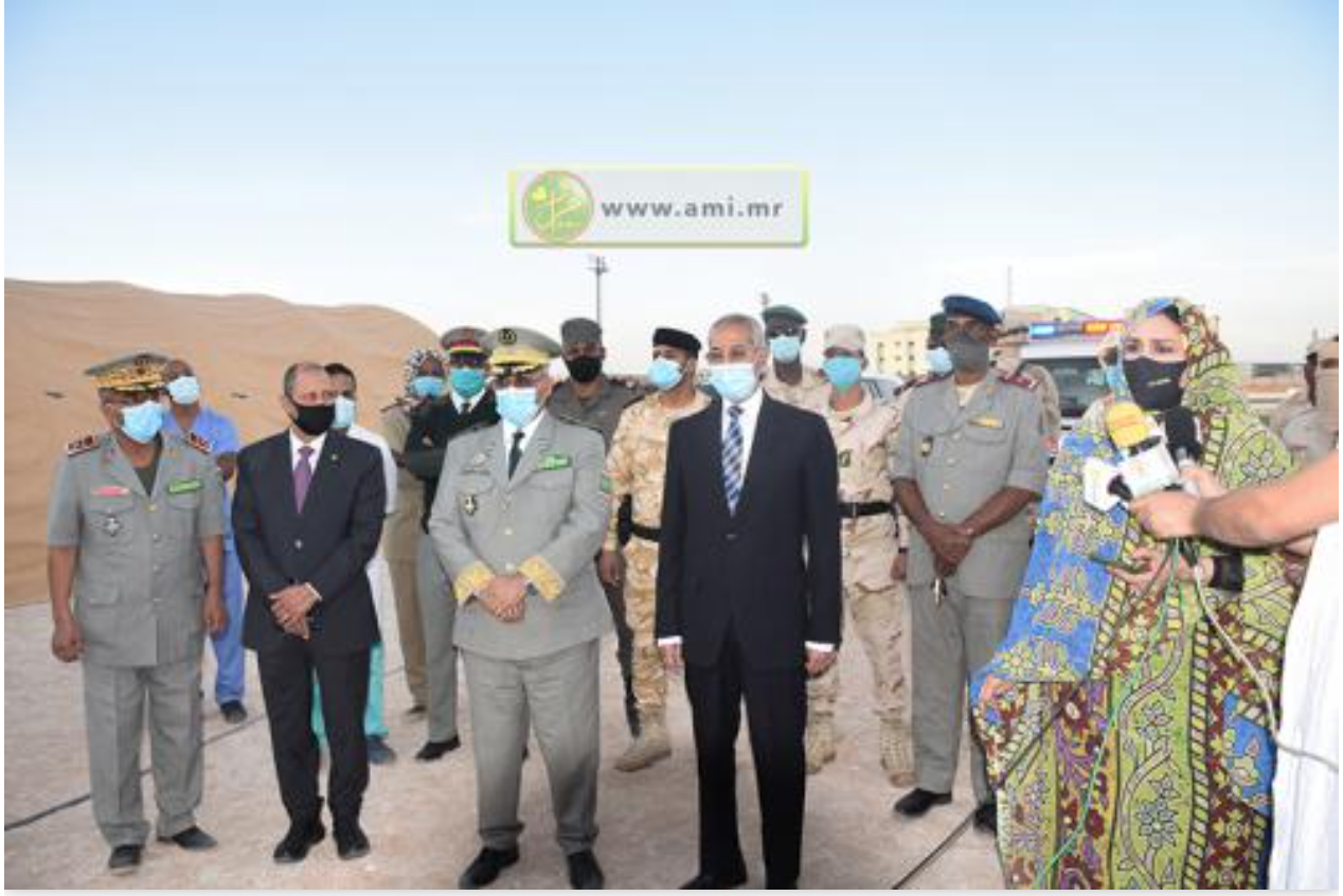 Les ministres de la Défense nationale et de la Santé par intérim visitent d'un hôpital de campagne militaire à Nouakchott