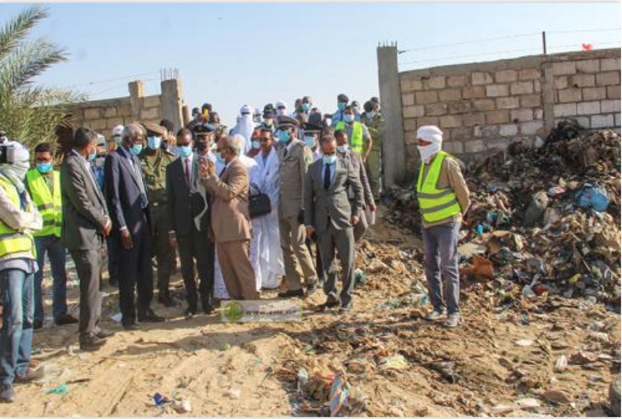 Le Premier ministre visite des sites de collecte de déchets à Nouakchott