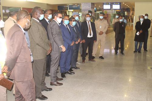 Le ministre de l'Equipement et des Transports inspecte l'aéroport international de Nouakchott