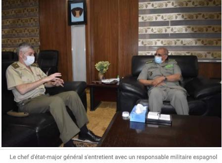Le chef d'état-major s'entretient avec un responsable militaire espagnol