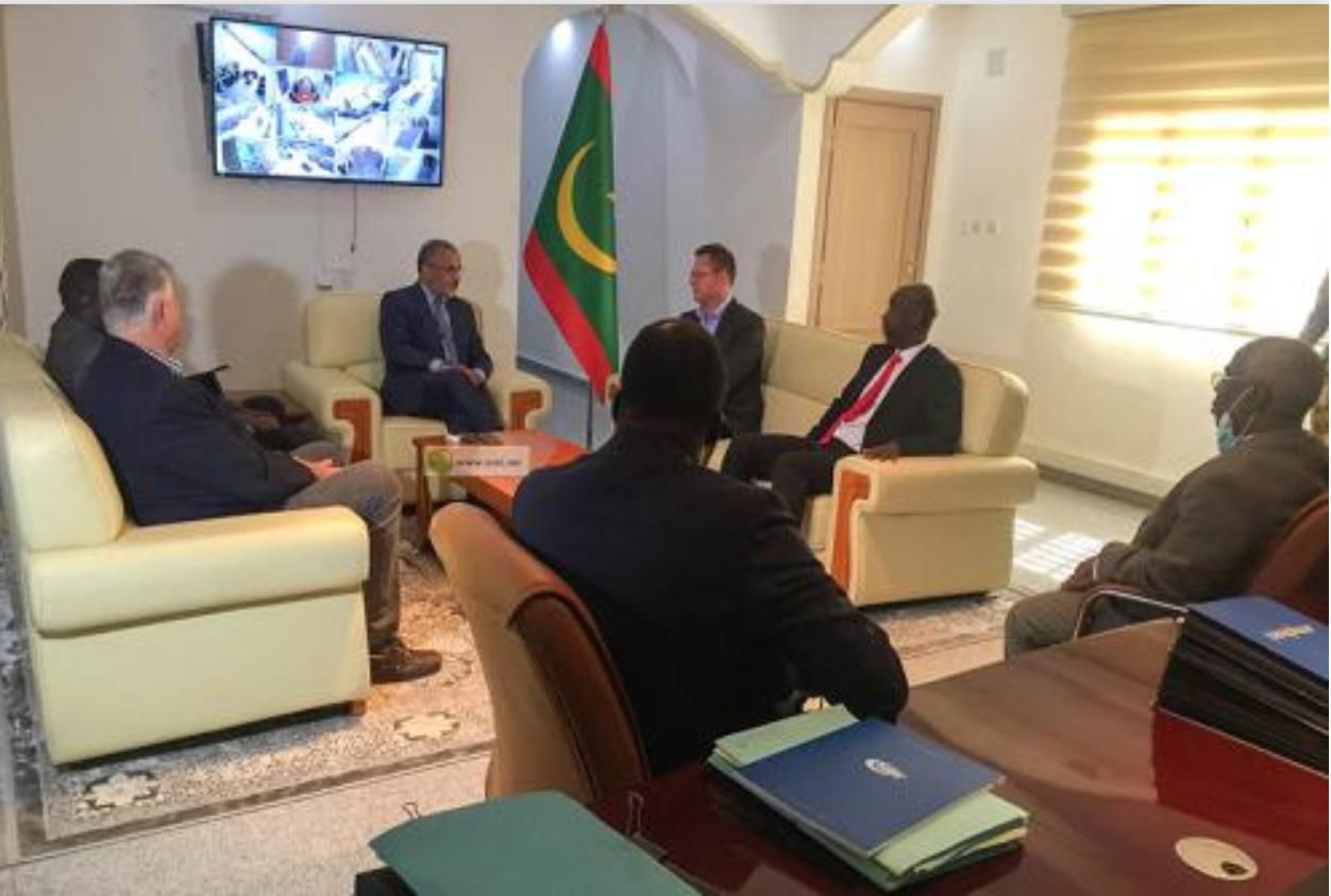 Le président de l'Autorité de la Zone franche de Nouadhibou tient une séance de travail avec le Groupe Mondial de Strongold