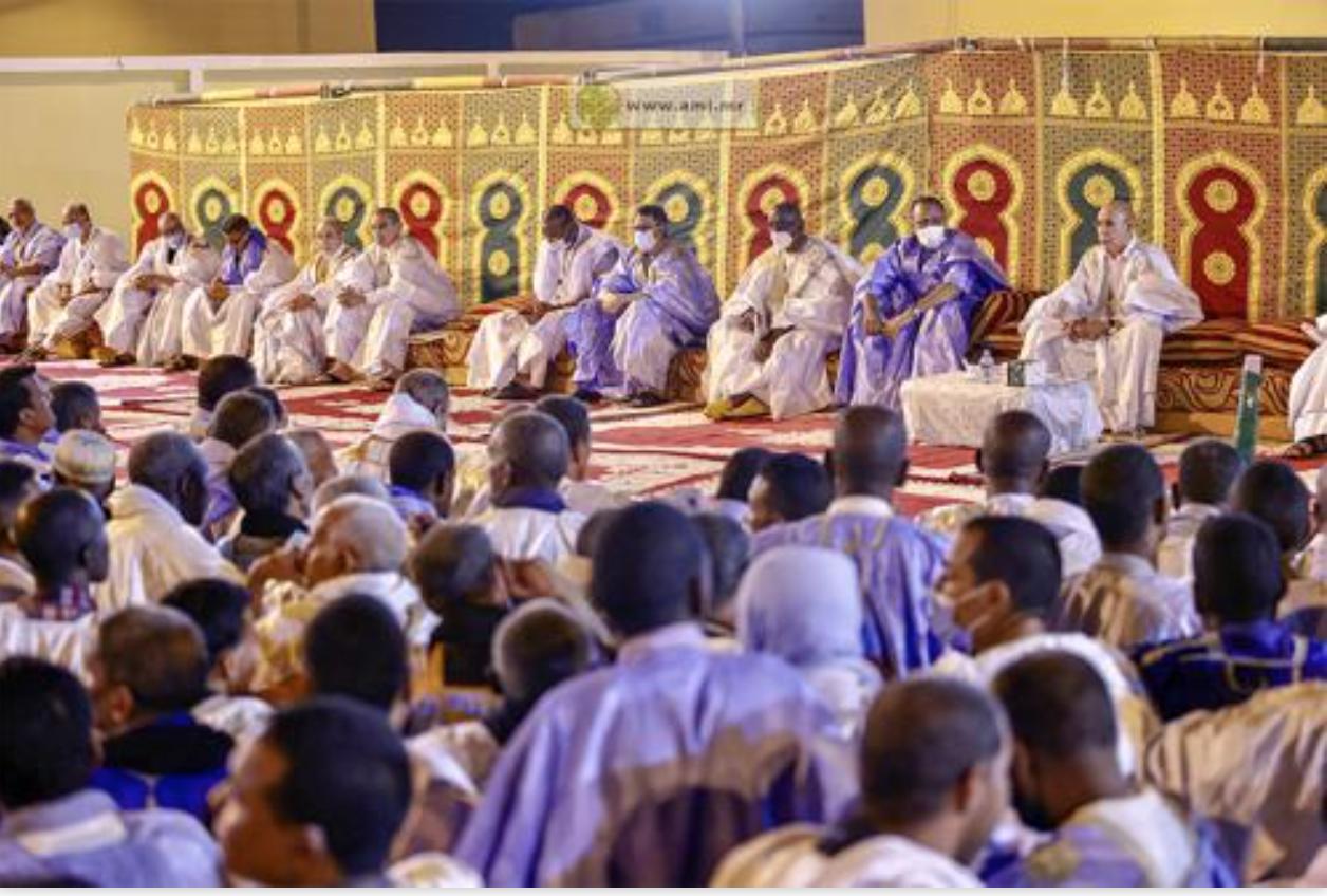 Hodh Echarghi : Le Président de la République s'entretient avec les cadres et les notables de la wilaya