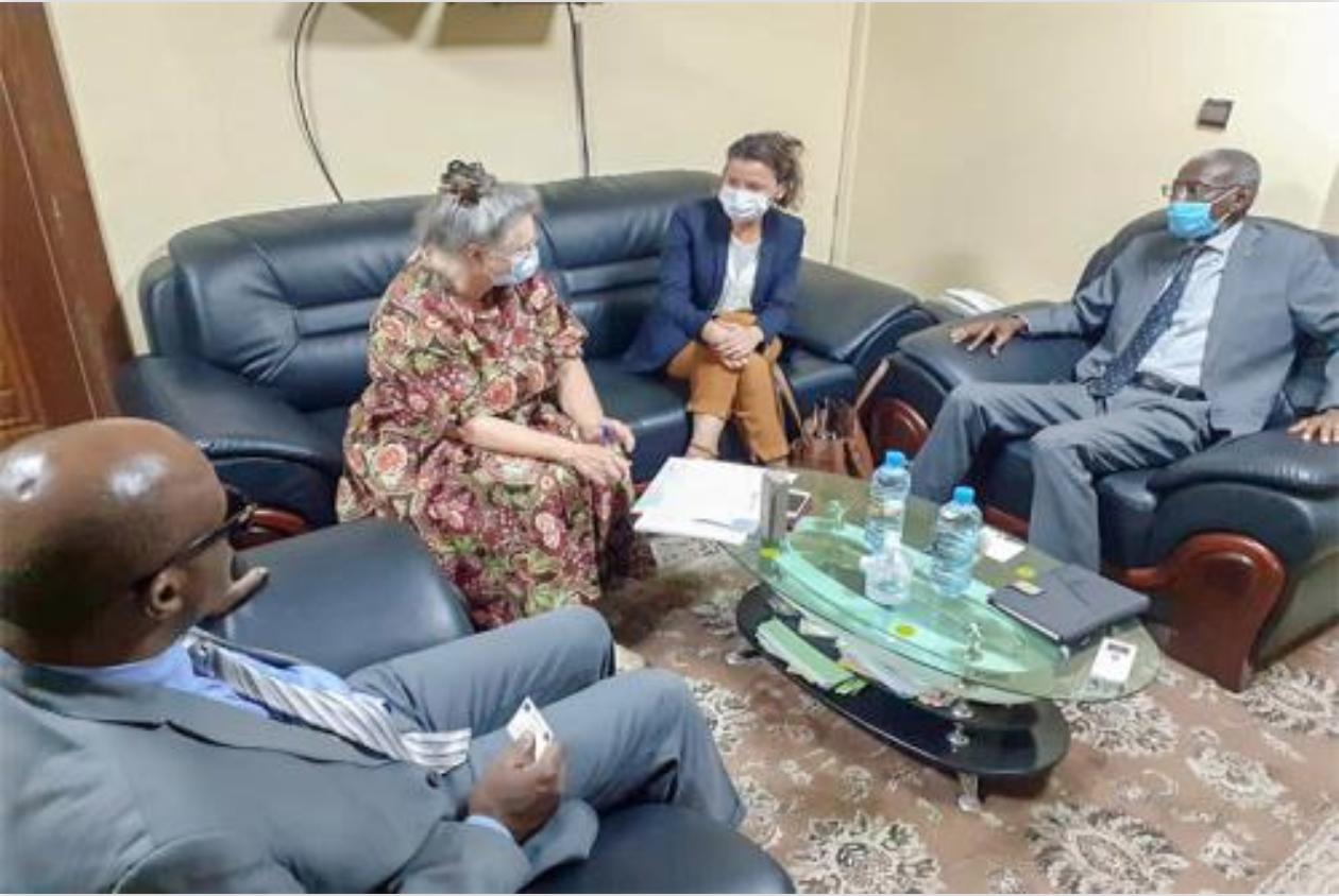 Le ministre de la Fonction publique reçoit une mission de l'AFD