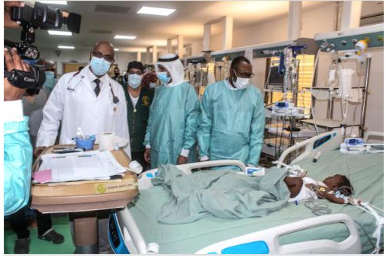 Des enfants subissent des interventions de chirurgie cardiaque et du cathétérisme effectuées par une mission sanitaire saoudienne