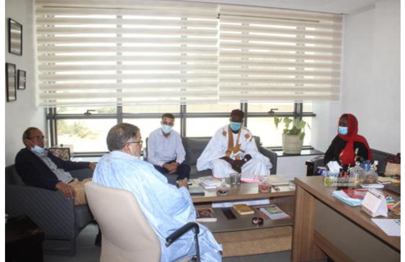 La Directrice générale de l'APIM s'entretient avec le bureau exécutif de la Mutuelle de Promotion des Petites et Moyennes Entreprises