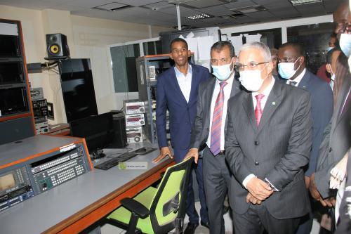 Le ministre de la Culture visite des établissements relevant de son département