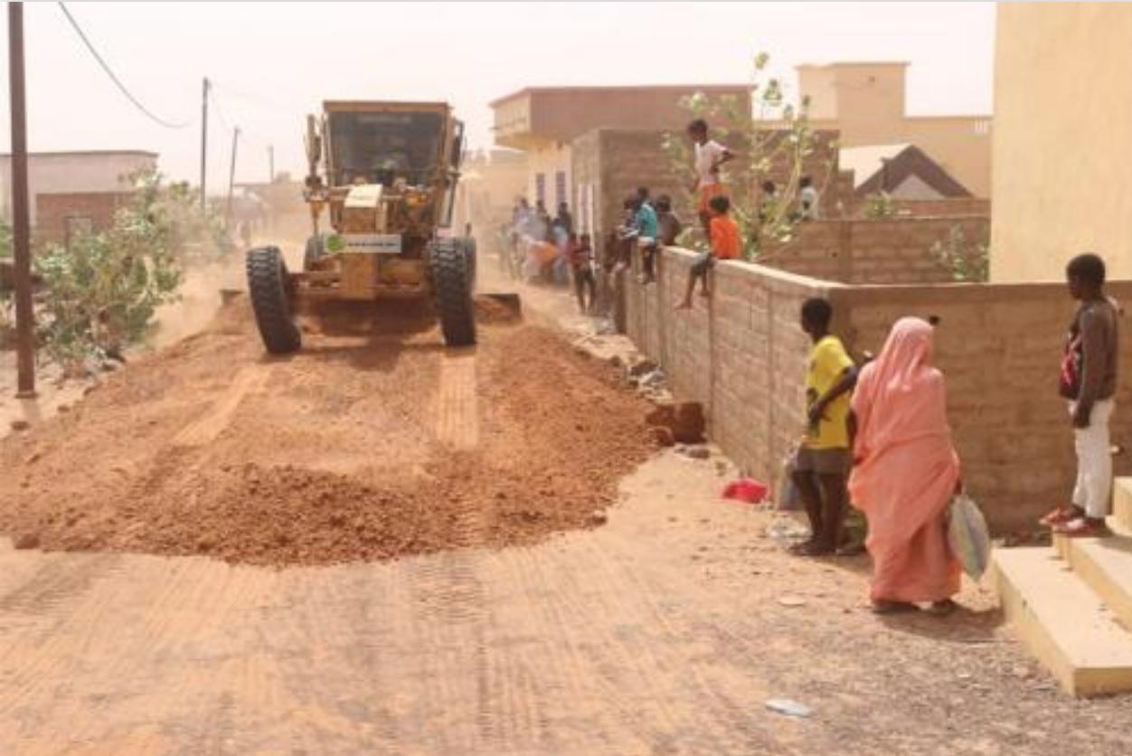 Début des travaux pour désenclaver les quartiers de Lemgheyti et Jedida de la ville d'Aïoun