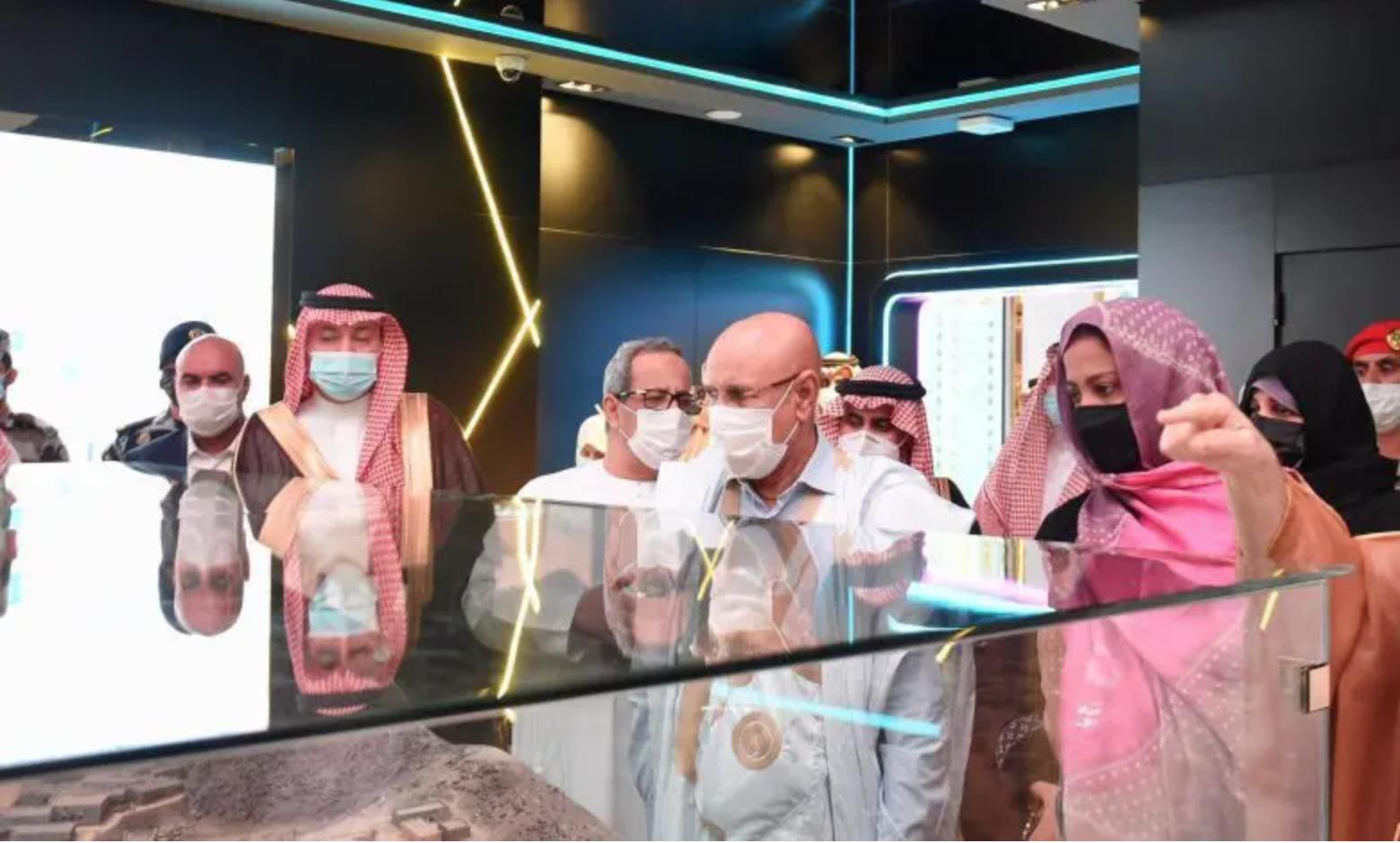 Le président Ghazouani en visite au musée international de la SIRA à Médine