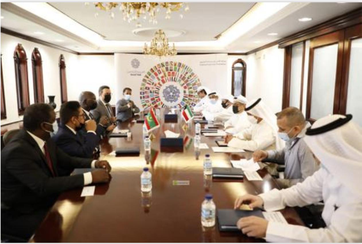 Le ministre des Affaires économiques s'entretient les responsables du Fonds koweïtien pour le Développement économique