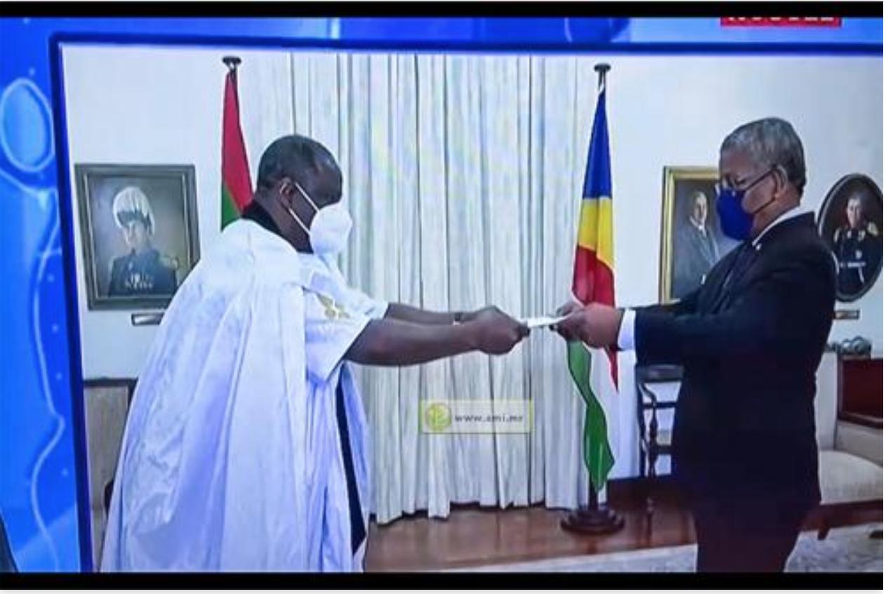 L'ambassadeur de la Mauritanie auprès de la République des Seychelles présente ses lettres de créance