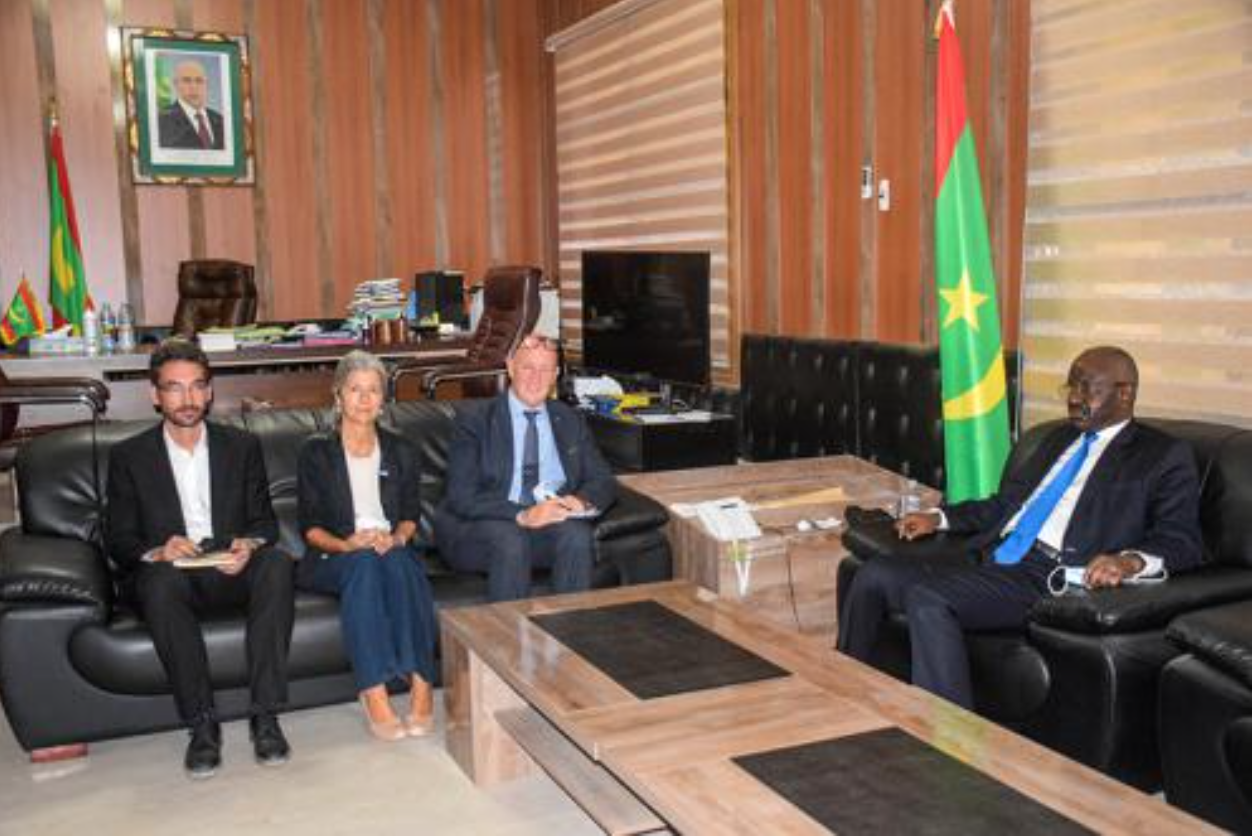 Le ministre de l'Intérieur reçoit le Conseiller Spécial du Haut- Commissaire des Nations Unies pour les Réfugiés
