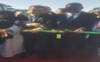 Le ministre du Commerce assiste à l'ouverture de l'exposition Amegar-Tindouf
