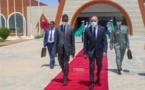 Etrange : chaque fois qu'Aziz est arrêté, Ghazouani quitte Nouakchott…