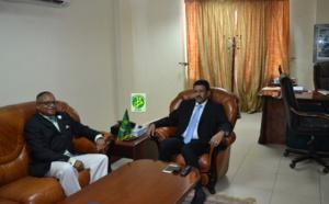 Le ministre de l'Equipement reçoit le chargé d'affaires par intérim de l'ambassade des Etats unis d'Amérique